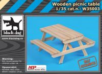 W35003 1/35 Wooden picnic table