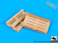 W48001 1/48 Wooden palets 2pcs Blackdog