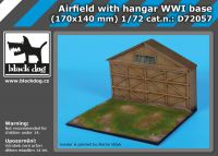 D72057 1/72 Airfield with hangar WW I base