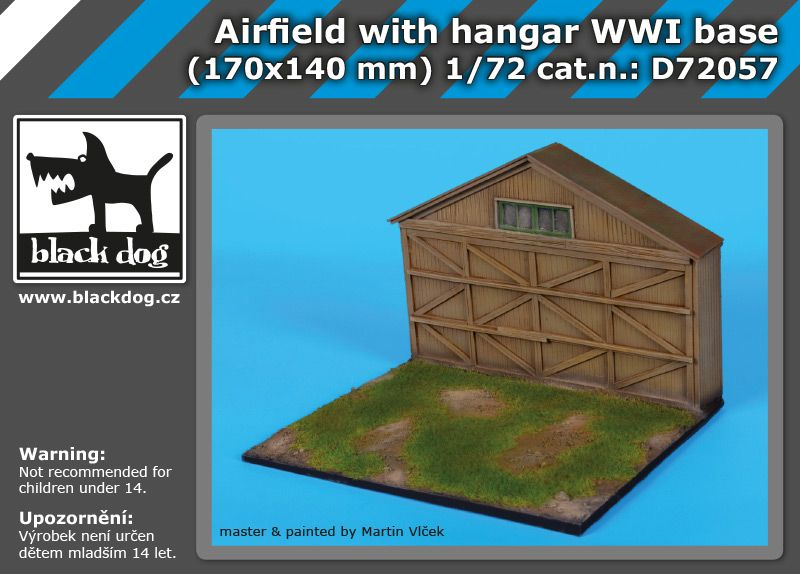D72057 1/72 Airfield with hangar WW I base Blackdog