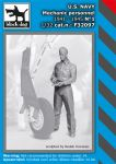 F32097 1/32 US NAVY mechanic personnel 1941-45 N°1 Blackdog