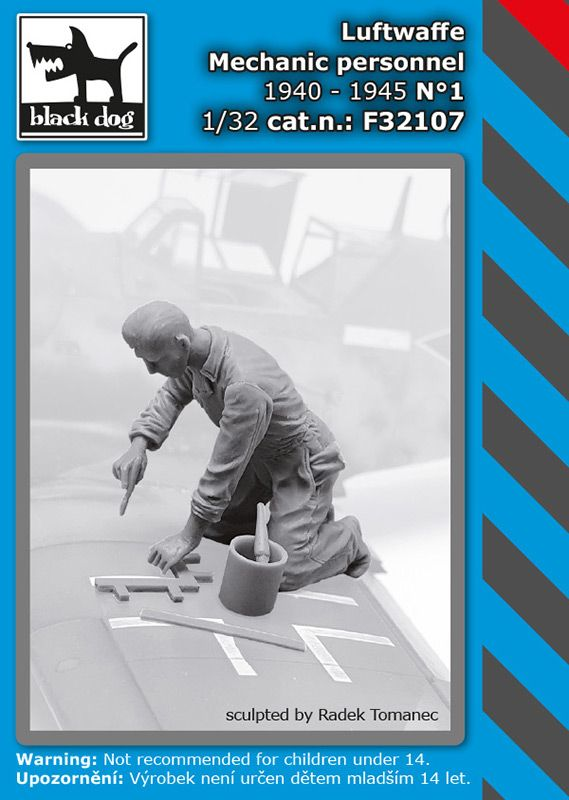 F32107 1/32 Luftwaffe mechanic personnel 1940-45 N°1 Blackdog