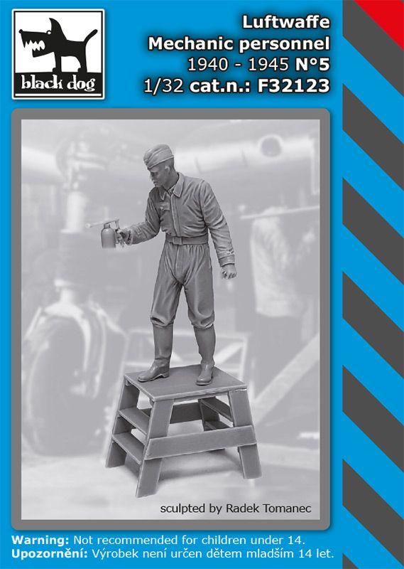 F32123 1/32 Luftwaffe mechanic personnel 1940-45 N°5 Blackdog