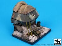 D35011 1/35 Destroyed Sd.Kfz.251 base Blackdog