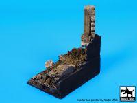 D35050 1/35 Small column base Blackdog