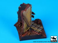D35057 1/35 House corner base N Blackdog