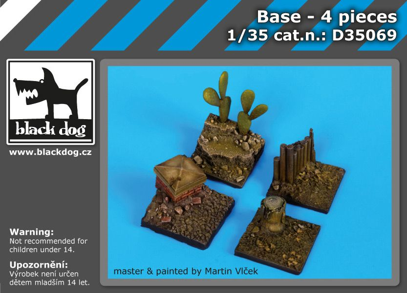 D35069 1/35 Base 4 pieces Blackdog
