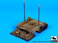 D72012 1/72 Destroyed bridge base Blackdog