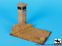 D72038 1/72 Guard tower base Blackdog