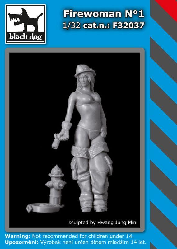 F32037 1/32 Firewoman N°1 Blackdog