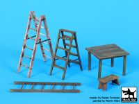 F32064 1/32 Ladders and table Blackdog