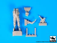F35103 1/35 Soldier in Crimea N°3 Gaz Tiger Gunner Blackdog