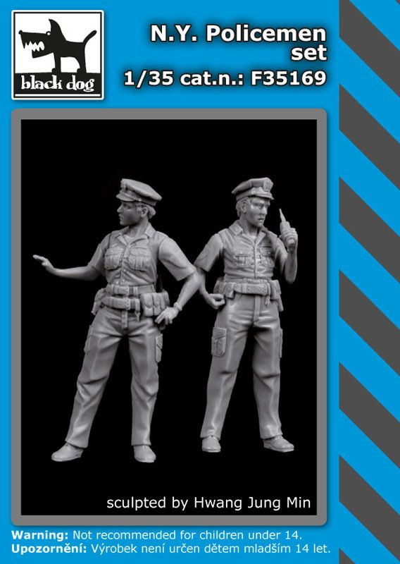 F35169 1/35 N.Y. Policemen set Blackdog
