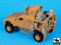 T35151 1/35 M-ATV WINT-T B with equip.accessories set Blackdog