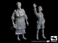 T48059 1/48 Grandmother and grandson Blackdog